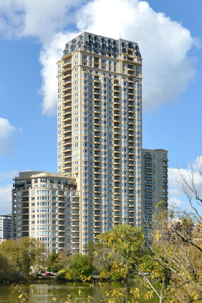 Condo/Townhouse New: 2550 North Lakeview Avenue #S904