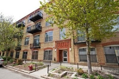 Condo/Townhouse For Sale: 1740 North Maplewood Avenue #406