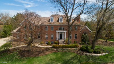 Wheaton Single Family Home For Sale: 28 Muirfield Circle