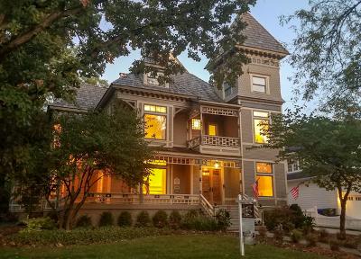 Glen Ellyn Single Family Home For Sale: 677 Highland Avenue