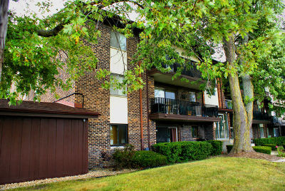 Crestwood Condo/Townhouse For Sale: 5202 West Midlothian Turnpike #110