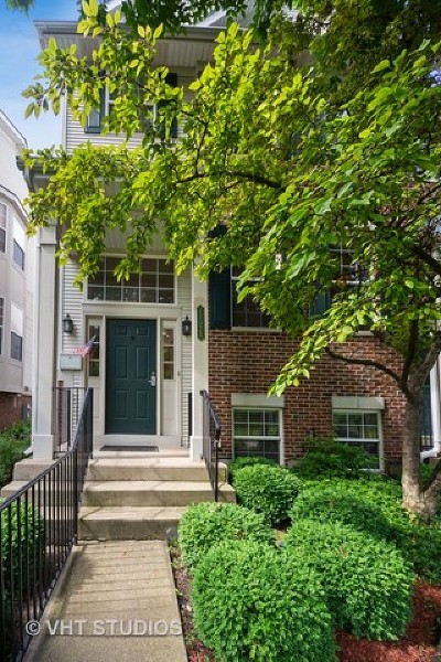 Glenview Condo/Townhouse For Sale: 2102 Rugen Road #B