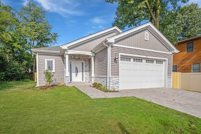 Wood Dale Single Family Home For Sale: 170 Pine Lane