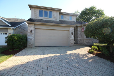 Willowbrook Single Family Home For Sale: 841 Turnberry Lane