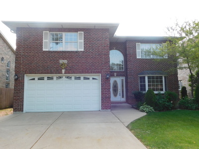 Downers Grove Single Family Home For Sale: 5912 Belmont Road