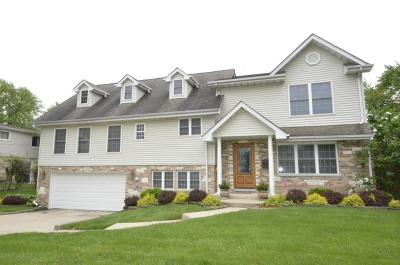 Des Plaines Single Family Home For Sale: 351 Norman Court