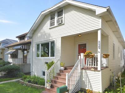 Norridge IL Single Family Home For Sale: $319,000