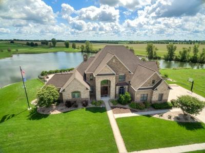 Bloomington Single Family Home For Sale: 3304 Carrington Lane