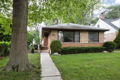 Skokie Single Family Home For Sale: 8308 Kedvale Avenue