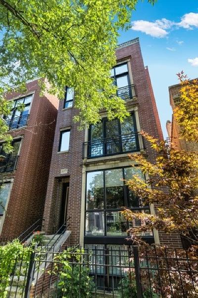 Condo/Townhouse For Sale: 857 North Hermitage Avenue #1
