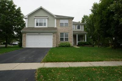 Grayslake Single Family Home For Sale: 947 Highgate Lane