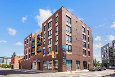 Condo/Townhouse For Sale: 680 North Milwaukee Avenue #405