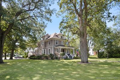 Aurora Single Family Home For Sale: 985 Sheffer Road