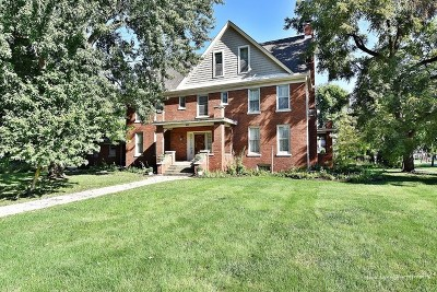 Aurora Single Family Home For Sale: 605 West Downer Place