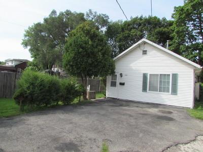 Aurora Single Family Home For Sale: 616 Pierce Street