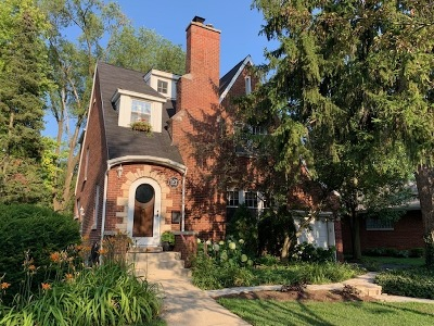 Glen Ellyn Single Family Home For Sale: 167 Crest Road