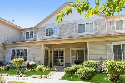 Aurora Condo/Townhouse For Sale: 53 Braxton Lane #53