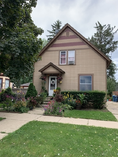 Aurora Single Family Home For Sale: 356 Plum Street