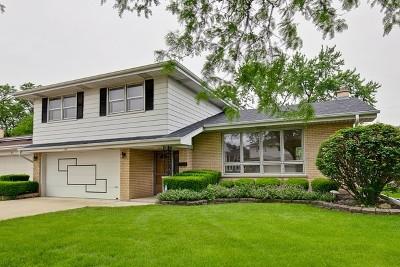 Des Plaines Single Family Home For Sale: 162 Ambleside Road