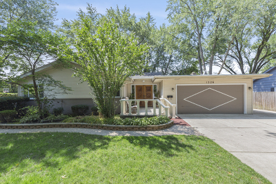Glenview Single Family Home For Sale: 1326 Prairie Lawn Road