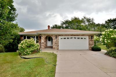 Darien Single Family Home For Sale: 6713 Leonard Drive