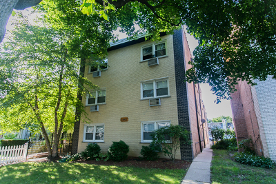 Condo/Townhouse For Sale: 1941 West Touhy Avenue #2C