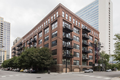 Condo/Townhouse New: 520 West Huron Street #606