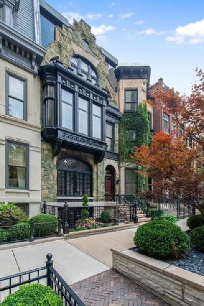 Single Family Home For Sale: 65 East Bellevue Place