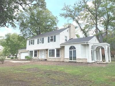 Glen Ellyn Single Family Home For Sale: 675 Oak Street