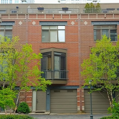 Condo/Townhouse For Sale: 310 North Clinton Street #D