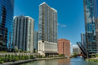 Condo/Townhouse New: 333 North Canal Street #1605