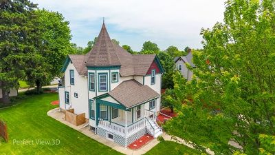 West Chicago  Single Family Home For Sale: 829 Wendall Avenue