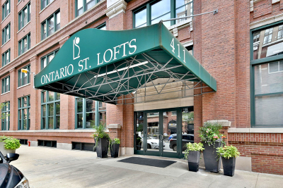 Condo/Townhouse New: 411 West Ontario Street #408