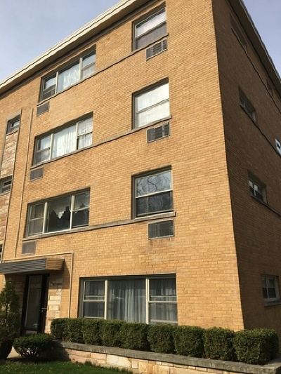 Cook County Condo/Townhouse New: 2205 West Highland Avenue West #1N