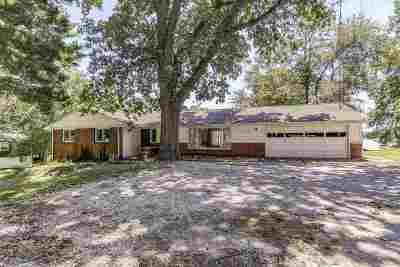 Sangamon County Single Family Home For Sale: 188 Maple Grove