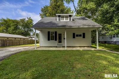 Taylorville Single Family Home For Sale: 421 S Cheyenne