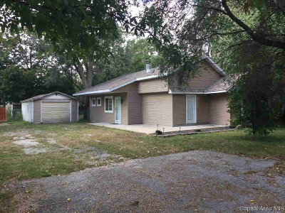 Taylorville Single Family Home For Sale: 513 N Ridge