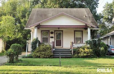 Taylorville Single Family Home For Sale: 412 E Pleasant