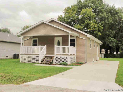 Taylorville Single Family Home For Sale: 817 E Cleveland