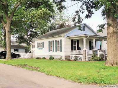Taylorville Single Family Home For Sale: 523 W Adams