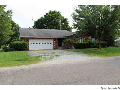 Waverly Single Family Home For Sale: 390 E Tanner