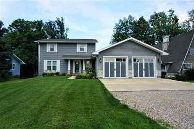 Petersburg Single Family Home For Sale: 554 Lemon