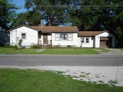 Carlinville Single Family Home For Sale: 410 N West