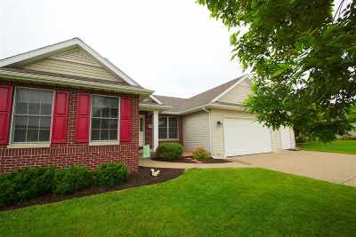 Bettendorf Single Family Home For Sale: 5688 Evergreen