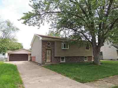 Davenport IA Single Family Home For Sale: $135,000