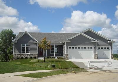Bettendorf Single Family Home For Sale: 5304 Emily