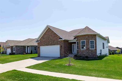 Le Claire Single Family Home For Sale: 81 Cobblestone