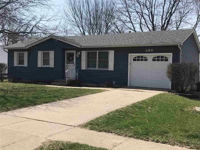 Eldridge Single Family Home For Sale: 300 N 9th St