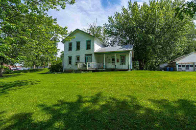 Le Claire Single Family Home For Sale: 408 Wisconsin