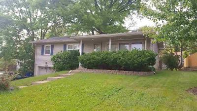 Bettendorf Single Family Home For Sale: 1324 Hillside